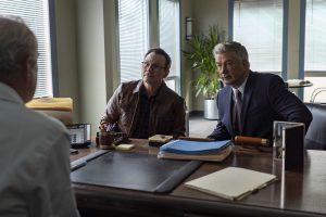 Christian Slater e Alec Baldwin in Dr. Death su STARZPLAY